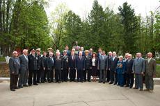 Ветераны на открытии бюста Леониду Осипенко
